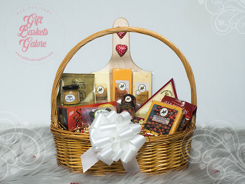 Cheese Lover's Delight Gift Basket